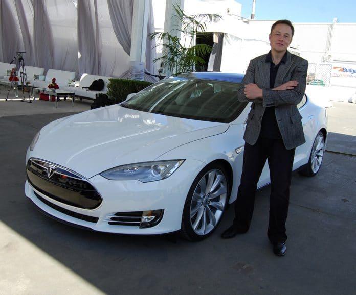 Elon Musk : génie visionnaire ou roi de la communication ?