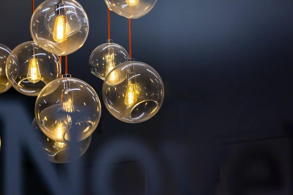 Comment installer une ampoule connectée ?