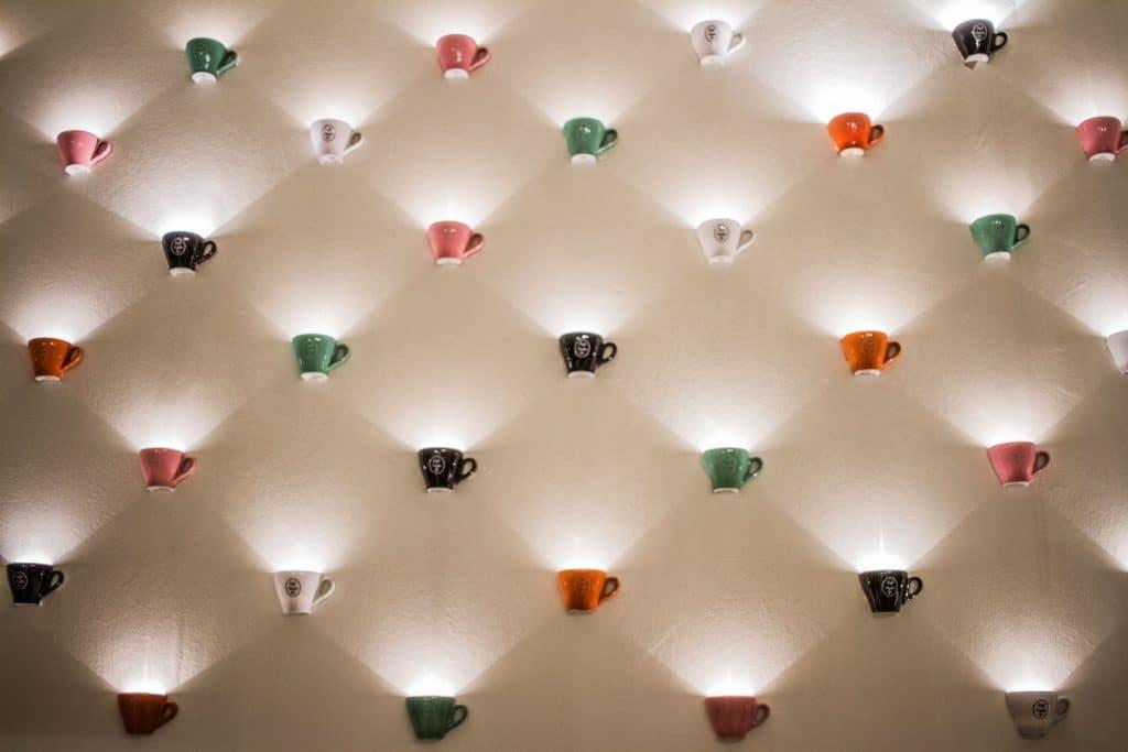 Entreprises : pourquoi vous équiper avec des lampes connectées ?