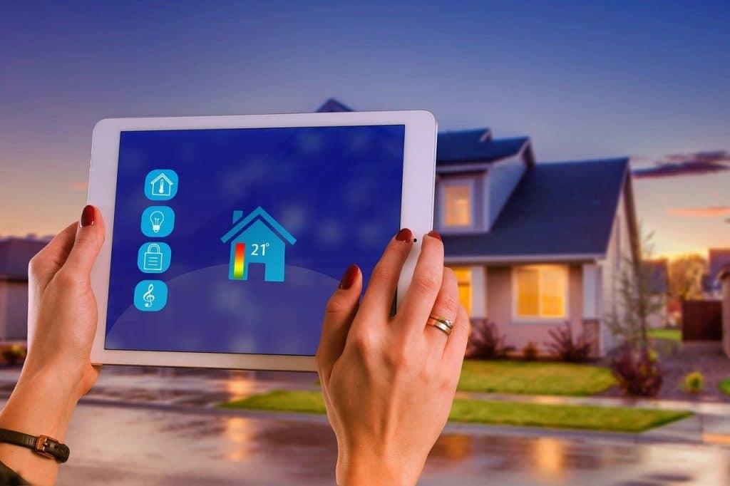 Comment trouver le logiciel de maison intelligente qui vous convient le mieux ?